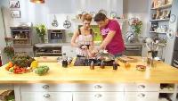 Ешь и худей! Сезон 1 Выпуск 45. Теплый салат с куриной печенью, припущенной в бальзамическом уксусе с медом.
